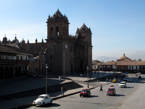 Early morning in the Plaza De Armas