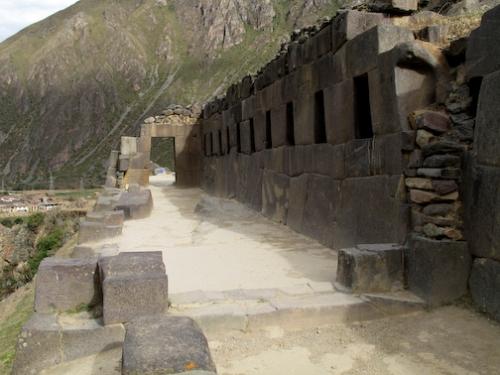 Walk way to the sun temple.